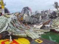 ekor AirAsia dalam keadaan hancur (foto: Detikcom)