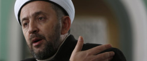 Bosnian imam attacked 7 times by extremists for saying Bosnians shouldn't fight in Syria.
