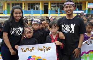 Komunitas 1000_Guru bersama para murid SD Cipta Gelar Sukabumi/Jawapos