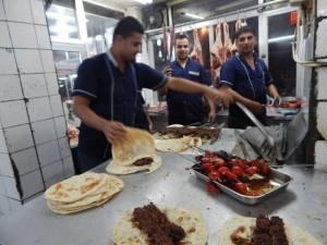 Salah satu restoran di Baghdad