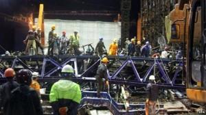 scaffolding runtuh