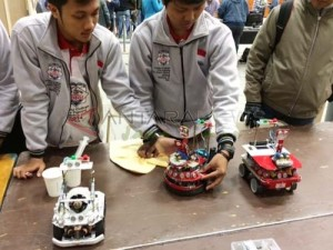 berita_154384_800x600_pens-juara-robot-2014-di-indonesiaproud-wordpress-com