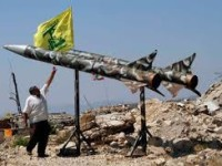 Media Israel Sebut Iran Pasang Peluru Kendali di Roket-Roket Hizbollah