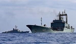 بحرية ايران توجه تحذيرات لسفينة وطائرات اميركية بخليج عدن