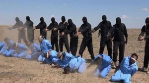 The screenshot taken from an ISIL video reportedly shows Iraqi hostages executed by the terrorists on May 9, 2015. (Press TV)