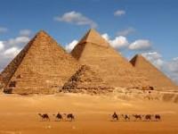 Dua Polisi Tewas Diserang Kawanan Bersenjata di Dekat Area Pidamida Mesir