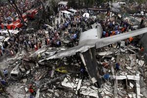 Hercules C-130 yang jatuh di Medan/REUTERS