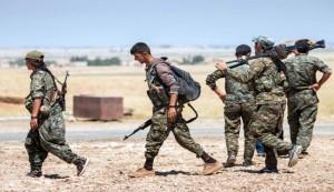 """اكراد سوريا يطردون """"داعش"""" من تل الابيض على حدود تركيا"""
