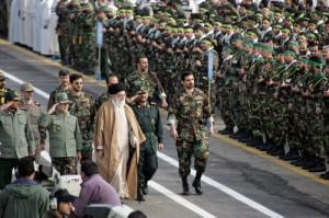 khamenei dan tentara iran