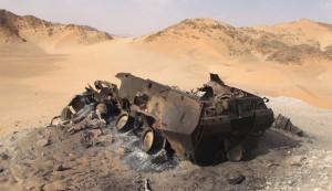 tank saudi hangus di yaman