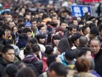 Liburan Imlek, Ribuan Orang Terjebak di Stasiun KA