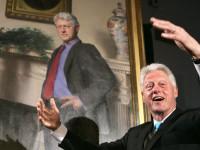 Langgar UU Pemilu, Ribuan Orang Tuntut Bill Clinton Ditangkap