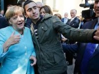 Merkel Desak Pemulangan Lebih Awal Migran ke Turki