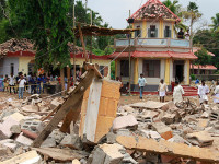 Ledakan di Kuil India, 102 Orang Tewas