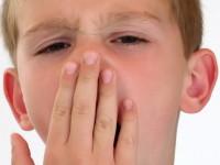 Mengatasi Halitosis pada Anak