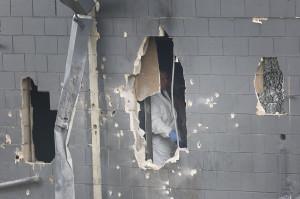 dinding klub gay yang rusak akibat penembakan