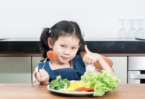 Ini Dia Tips Ampuh Agar Anak Suka Sayur!