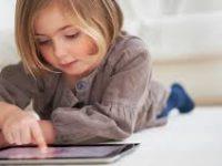 Anak Usia Sekolah Marak Gunakan Media Sosial, Apa Kata Pakar?