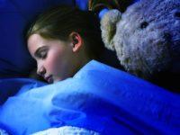 Mematikan Lampu Saat Tidur Malam Bisa Turunkan Berat Badan?