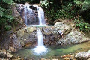 Menikmati Pesona Air Terjun 7 Tingkat di Padang
