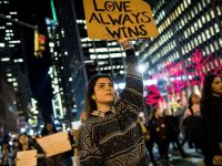 Pendemo Terus Kritik Masalah Dinding Mexico, Trump: 'Jangan Khawatir'