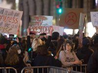 Unjuk Rasa Anti-Trump Terus Berlanjut