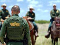 Petugas Patroli Perbatasan Amerika Bunuh Ribuan Imigran