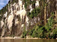 Menikmati Kemegahan 'Tembok Raksasa' di Mahakam Ulu