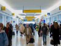 Seorang Pendukung Trump Serang Wanita Muslim di Bandara JFK
