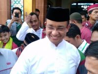 Anies Tanda Tangani Kontrak Politik dengan Warga Bukit Duri
