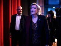 Le Pen: Salat dan Hijab Adalah Ancaman Bagi Prancis