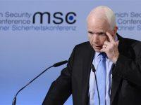 McCain: Pemerintahan Trump Berada Dalam Kekacauan