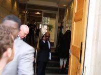 Konsultan Menhan Saudi Disambut Telur Busuk di London
