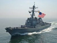 Dicegat Kapal Perang Iran, Kapal Destroyer AS Lepaskan Tembakan Peringatan
