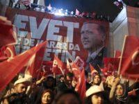 Turki Umumkan Kemenangan Sementara Pendukung Erdogan Dalam Referendum