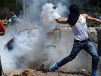 Bentrok dengan Tentara Israel, Puluhan Warga Palestina Luka-Luka