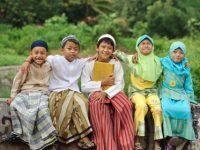 Beragama dalam Konteks Indonesia