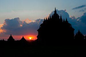 Candi Plaosan, Destinasi Tepat untuk Berburu Sunset