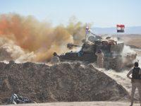 Pasukan Irak saat melakukan serangan atas ISIS pada Minggu (20/8) di Kota Tal Afar