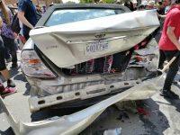 Sebuah Mobil Tabrak Para Penentang Rasisme di Amerika