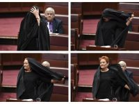 Senator Australia Lakukan Aksi Provokatif Terhadap Islam