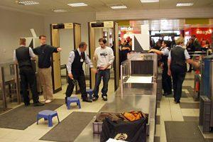 Ini 8 Hal yang Harus Diingat Saat Pemeriksaan Keamanan di Bandara