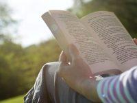 Ini 10 Manfaat Membaca Setiap Hari