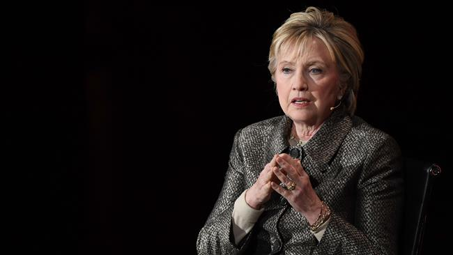 Clinton: Trump Buat AS Terlihat Bodoh di Depan Iran
