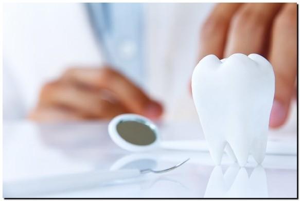 Perhatikan 7 Kebiasaan yang Bikin Gigi Rusak