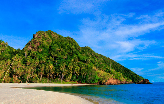 Terpukau Keindahan Pulau Mahoro