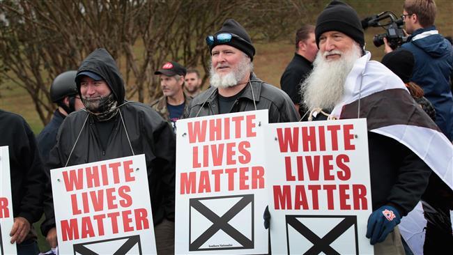 Kelompok Supremasi Kulit Putih Unjuk Rasa di Tennessee
