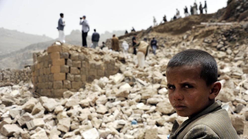 Aliansi Saudi Ledakkan Bandara Sana'a dan Tutup Akses Bantuan