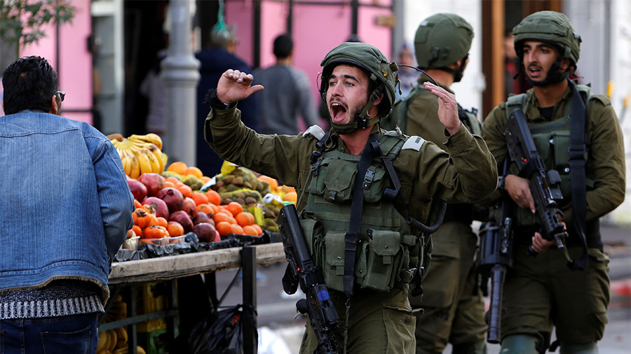 Tentara Israel Ketahuan Mencuri Apel Milik Warga Palestina