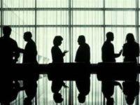 Pendapatan 3 Hari CEO Inggris Lebih banyak dari Gaji Tahunan Karyawan